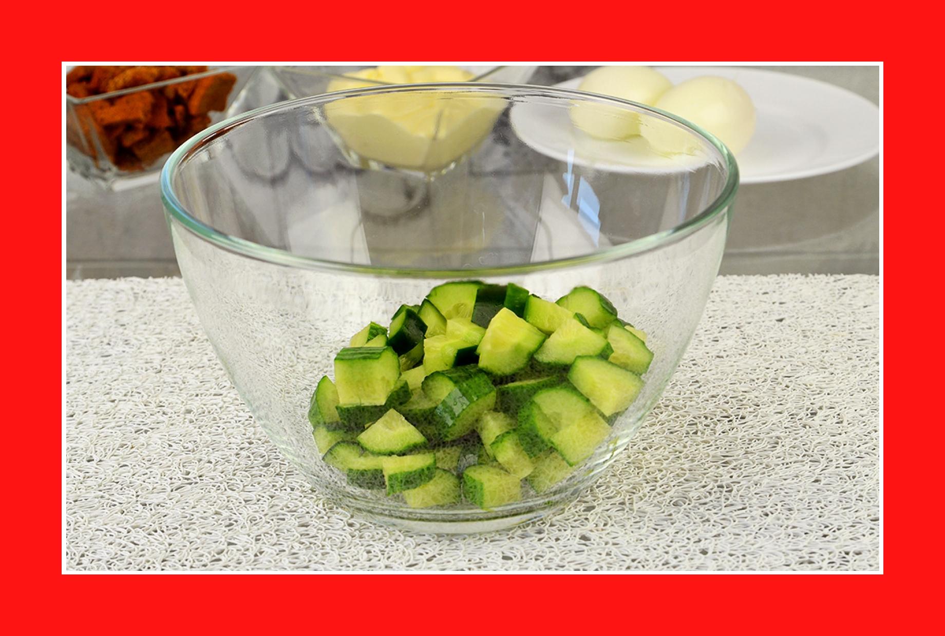 Gurkensalat mit Kartoffeln und Eiern