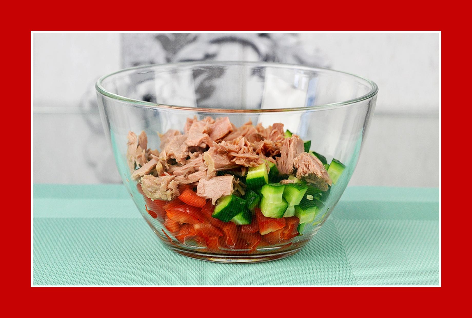 Thunfischsalat mit Gurkensalat und Paprika