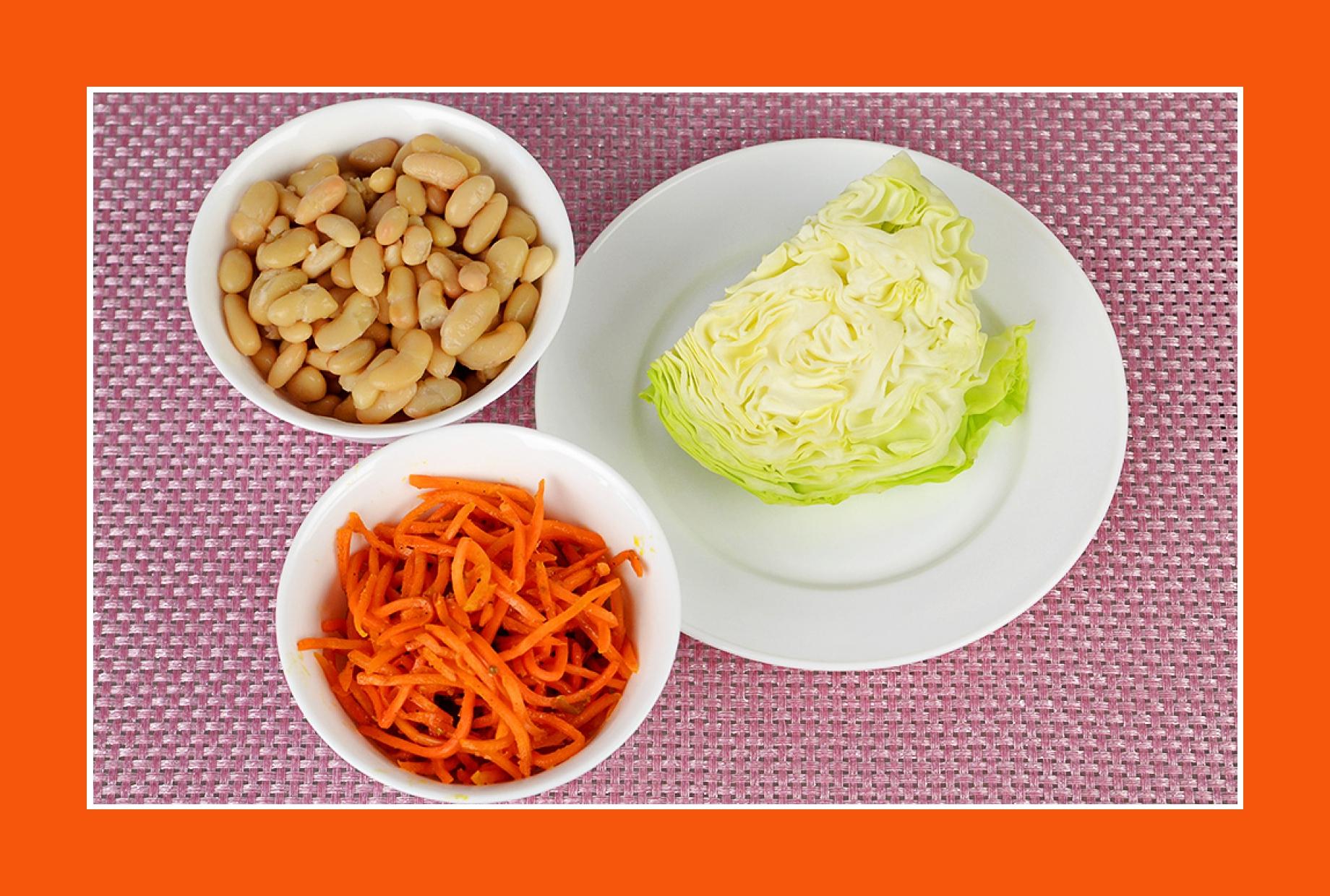 Wintersalate mit Möhren, Bohnen, Weißkraut